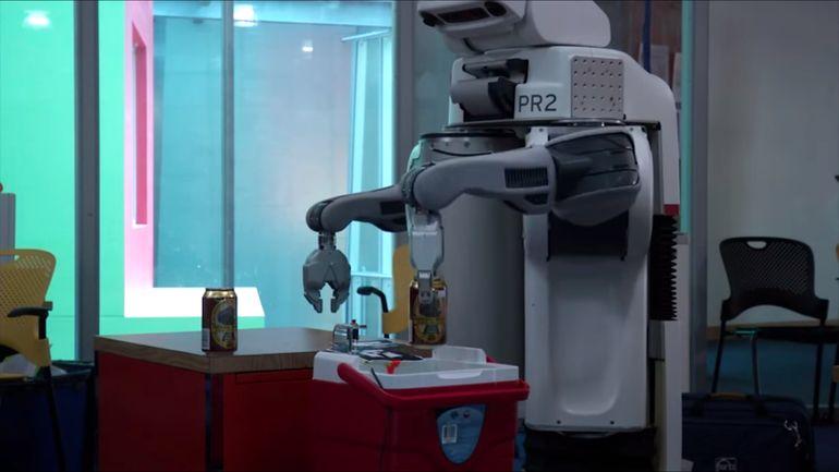 Roboter: Jetzt auch als teamfähige Tresenkräfte