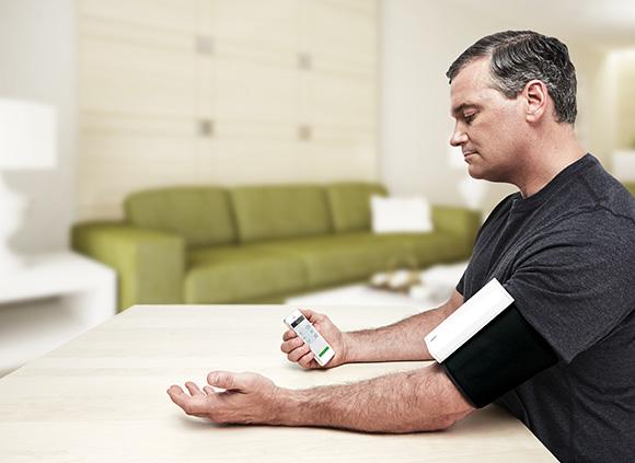 indiegogo - QardioArm: Cool bleiben beim Blutdruck messen