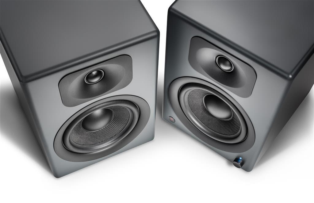 Neuer Wavemaster TWO Pro Lautsprecher mit Bluetooth