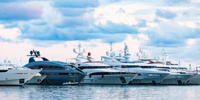 jeff-bezos-kauft-neue-superjacht-fur-500-millionen-dollar:-wie-das-geschaft-mit-den-luxusschiffen-wahrend-der-pandemie-boomt