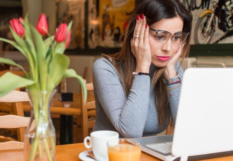 toxische-professionalitat:-wie-es-das-arbeitsklima-vergiftet,-wenn-schwachen-und-fehler-nicht-sichtbar-sein-durfen