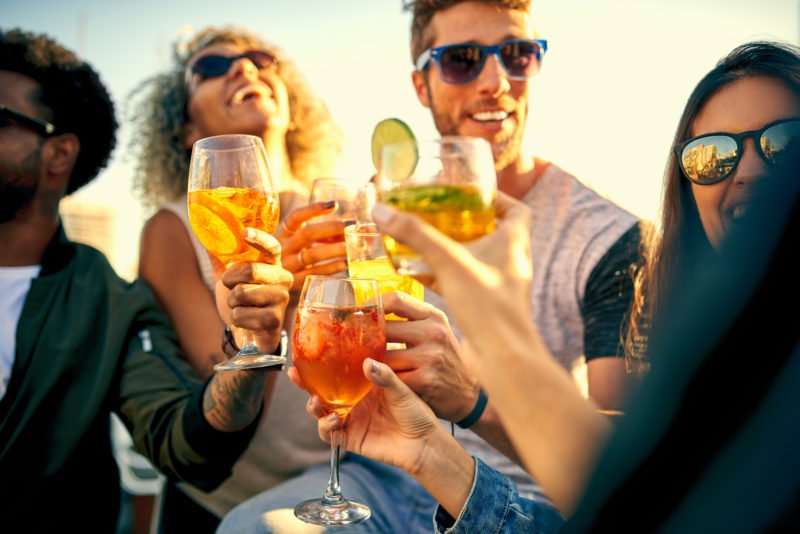 bacardi,-mojito,-margarita?-das-sind-die-beliebtesten-cocktails-in-45-landern-europas